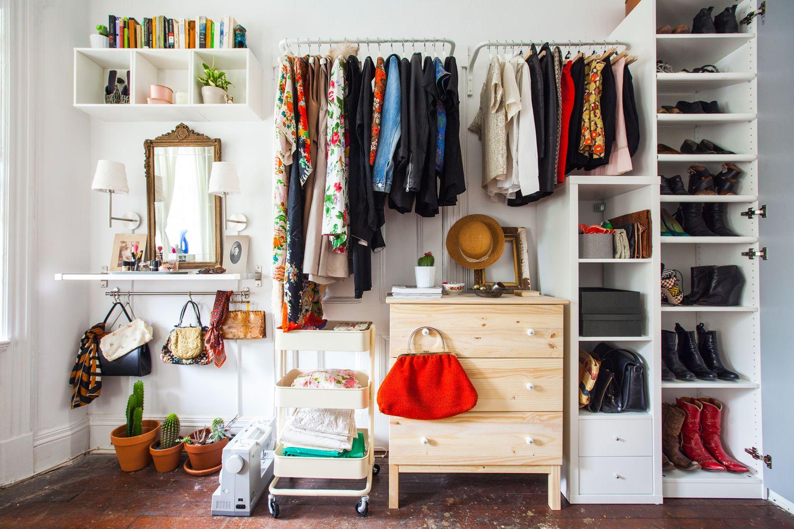 Ways to Arrange a Super Creative Wardrobe in Your Room
